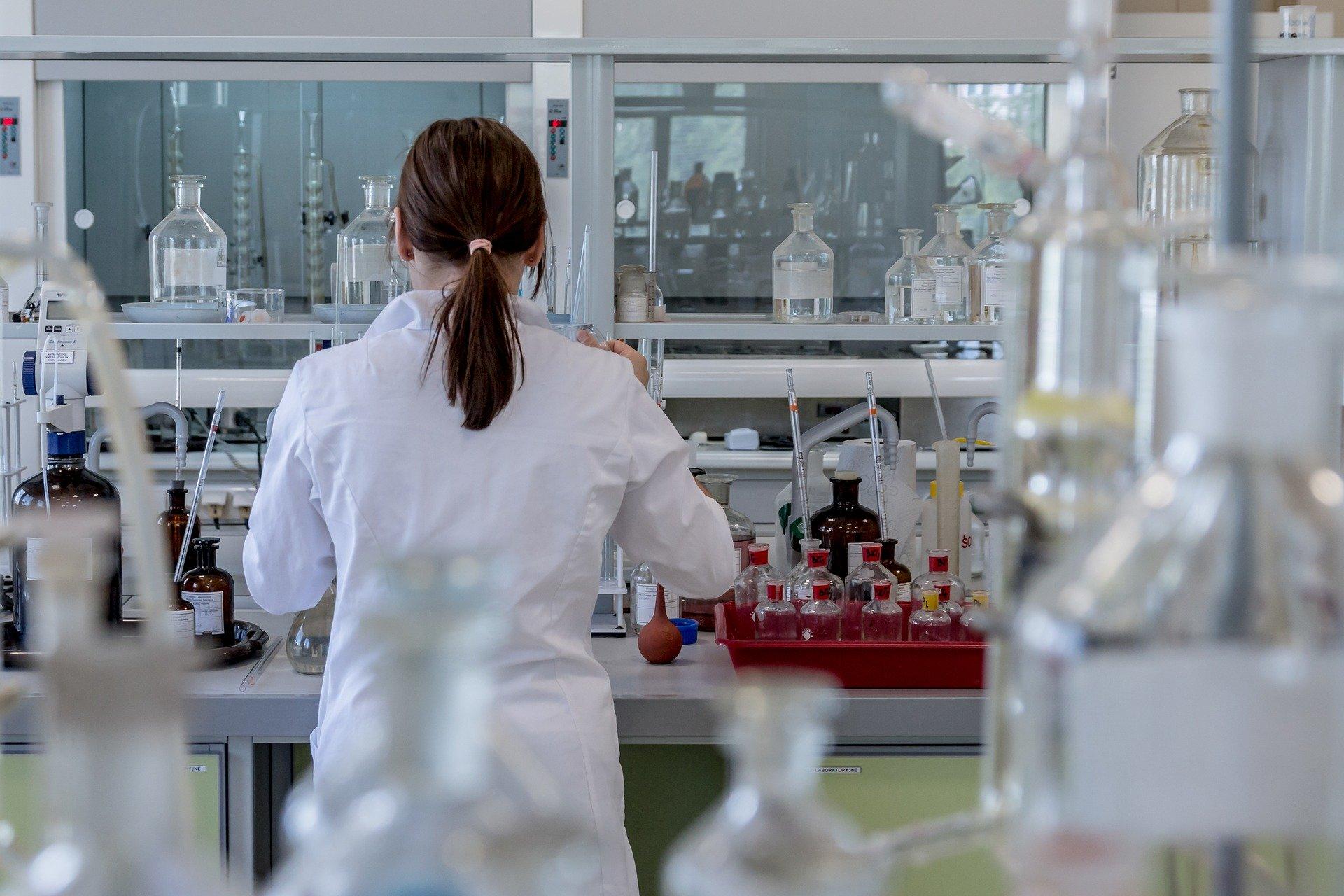 Image d'analyses en laboratoire de la qualité de l'air intérieur